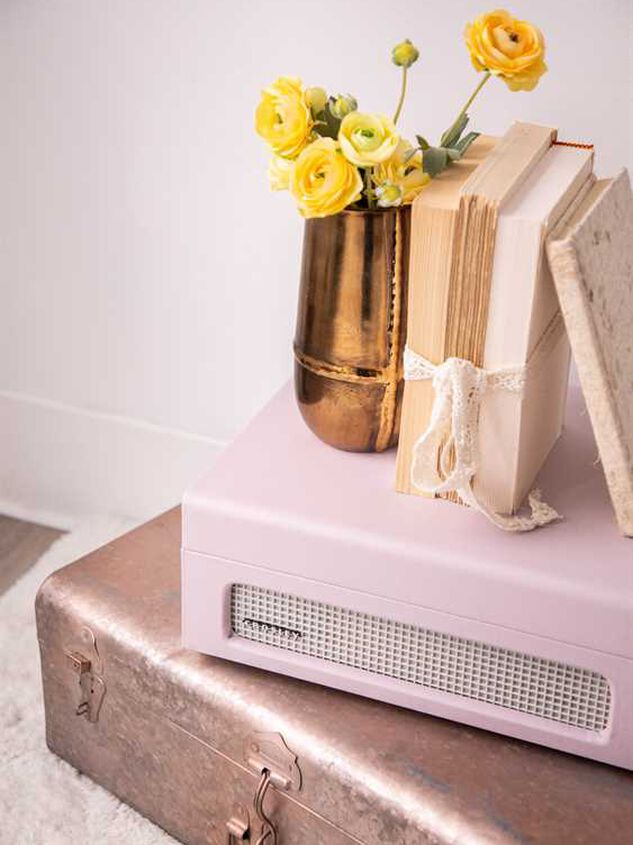 Crosley Voyager Record Player - Amethyst Detail 3 - Altar'd State