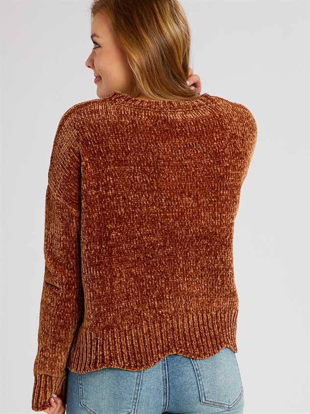 Eversoft Chenille Scalloped Sweater Detail 3 - Altar'd State