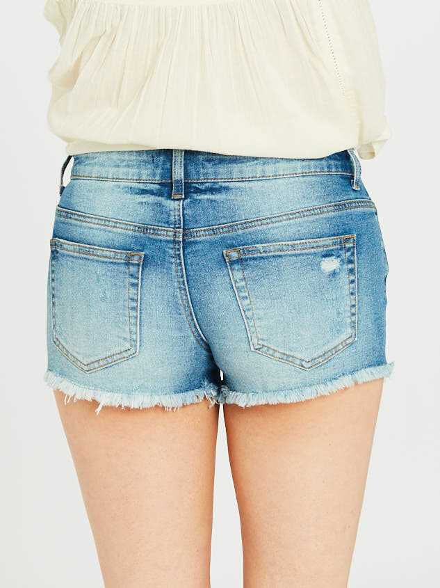Norris Denim Shorts Detail 5 - Altar'd State