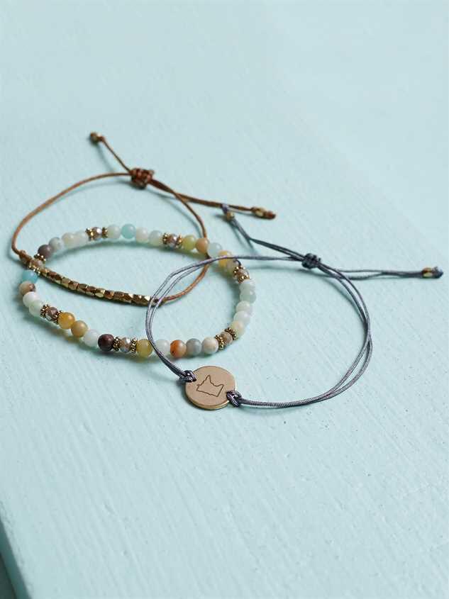 Minnesota Friendship Bracelets Detail 2 - Altar'd State