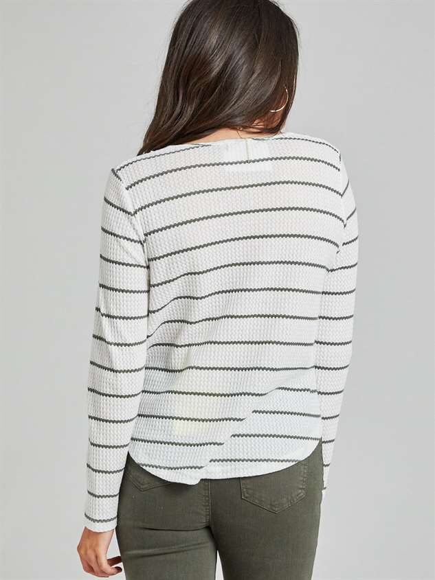Dreamin' in Thermal Rounded Hem Top Detail 4 - Altar'd State