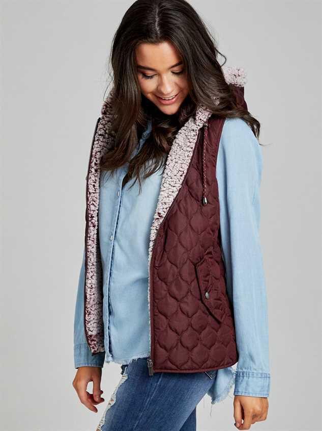 Carmen Outerwear Vest Detail 3 - Altar'd State