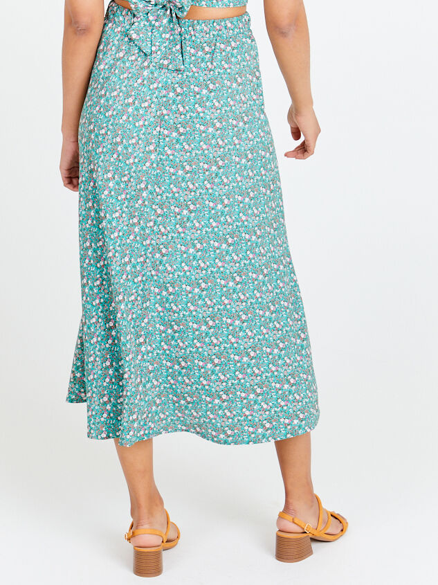 Ditsy Floral Maxi Skirt Detail 3 - Altar'd State