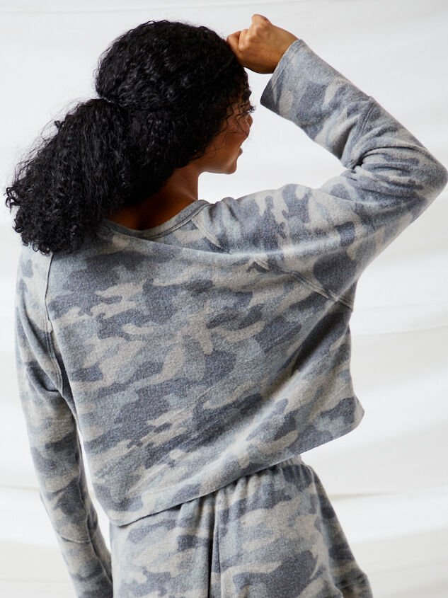 Brushed Camo Lounge Top Detail 3 - Altar'd State
