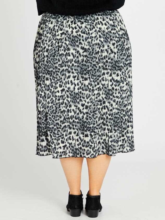 Leopard Midi Skirt Detail 4 - Altar'd State