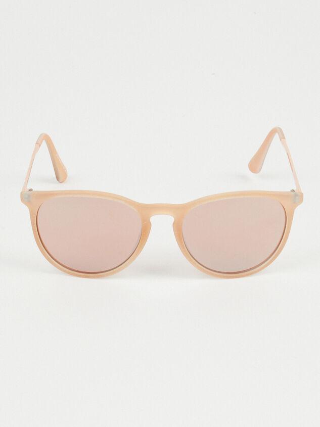 Harvard Yard Sunglasses Detail 2 - Altar'd State