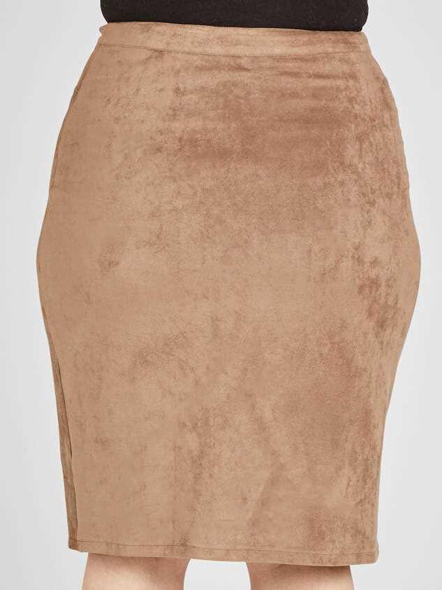 Nola Skirt Detail 4 - Altar'd State