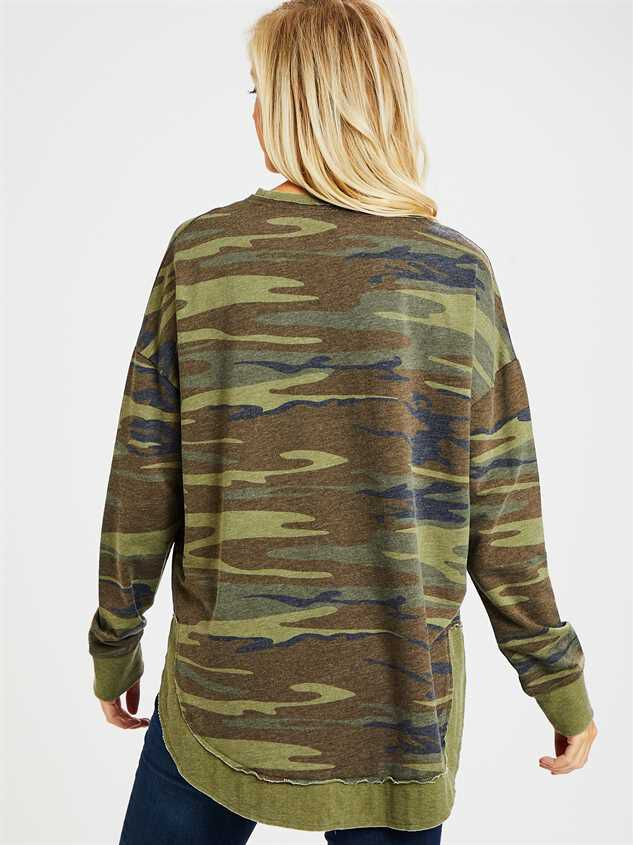 Camo Weekender Top Detail 4 - Altar'd State