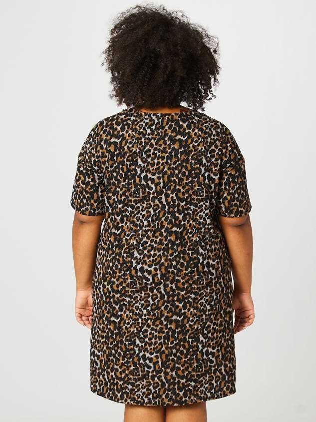 Leopard Tie Dress Detail 4 - Altar'd State