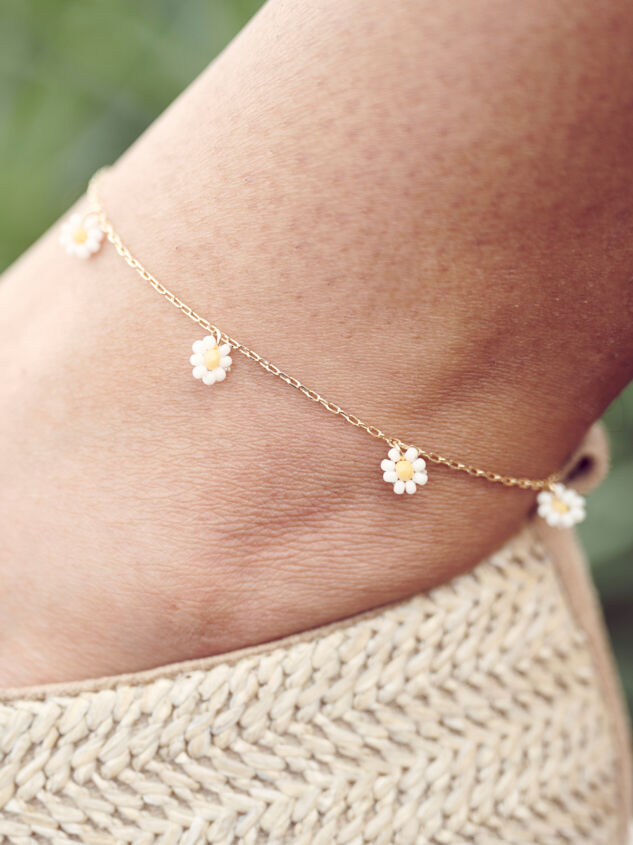 Daisy Dangle Anklet - Altar'd State