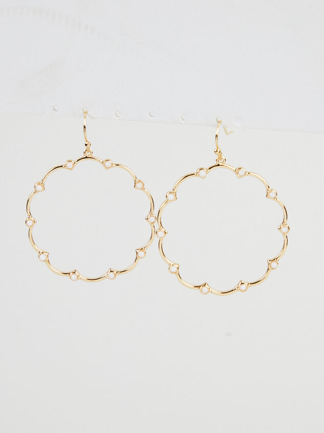 Noemi Scallop Earrings - Altar'd State