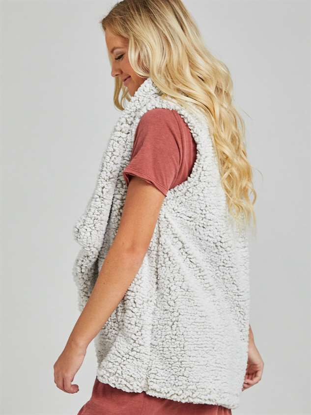 Wubby Waterfall Outerwear Vest Detail 3 - Altar'd State