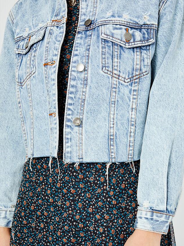 Mirren Cropped Denim Jacket Detail 4 - Altar'd State