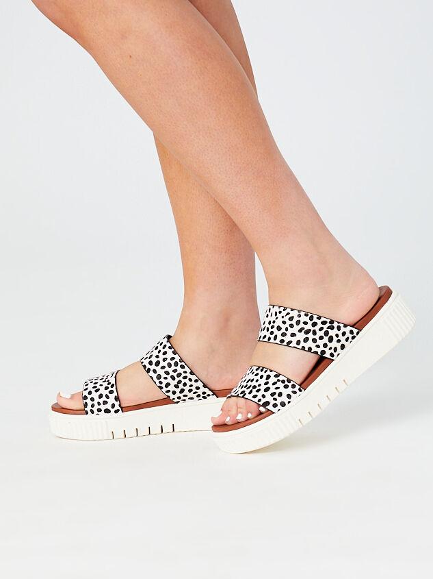Lana Platform Sandals Detail 6 - Altar'd State