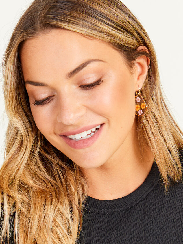 14k Gold Dipped Dried Flower Earrings Detail 2 - Altar'd State