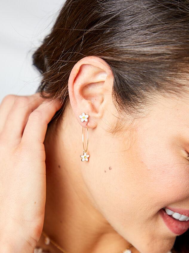 Daisy Mini Hoop Earring Set Detail 3 - Altar'd State
