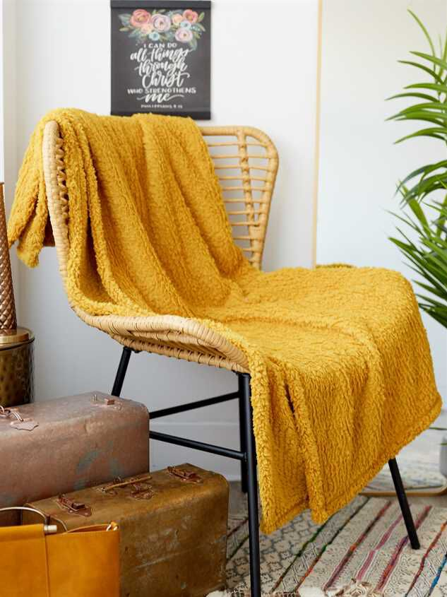 Snuggle Up Wubby Blanket - Altar'd State