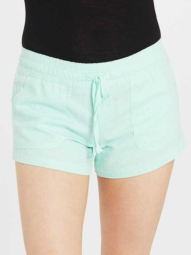 The Radiant Linen Shorts Detail 2 - Altar'd State