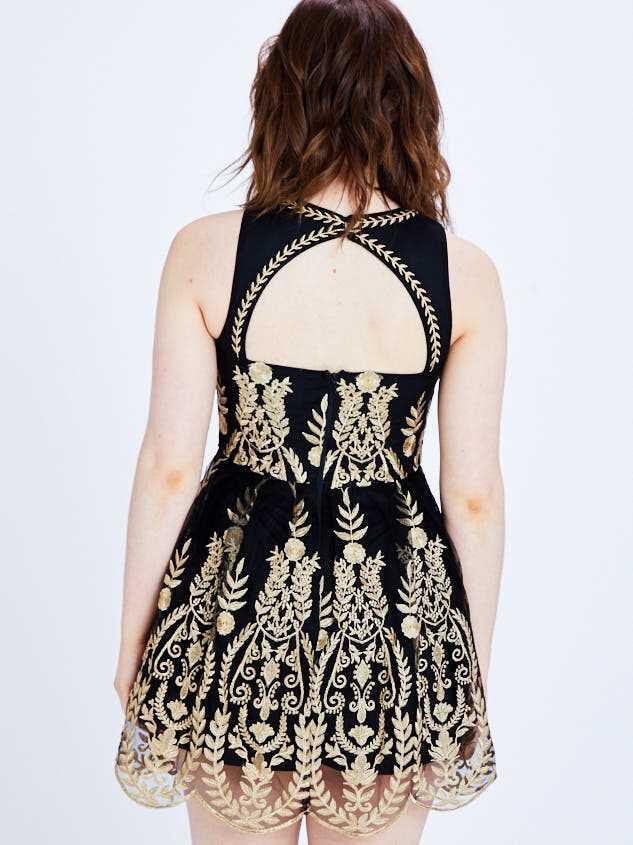 Junia Dress Detail 4 - Altar'd State