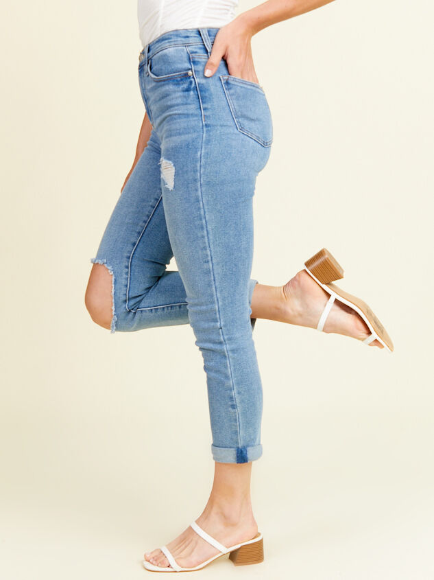 Sally Girlfriend Jeans Detail 3 - Altar'd State