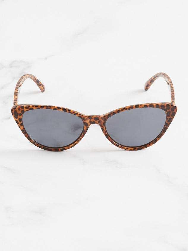 Leopard Sunglasses Detail 2 - Altar'd State