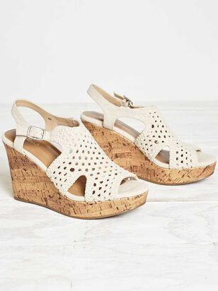 Amelianna Wedges - Altar'd State