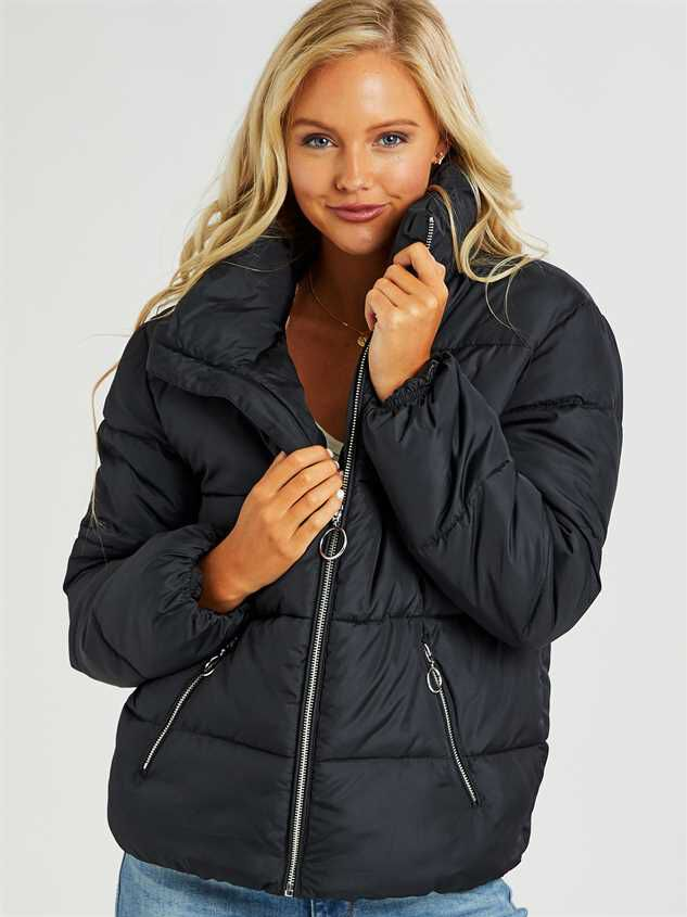 O-Ring Alpine Puffer Coat Detail 3 - Altar'd State
