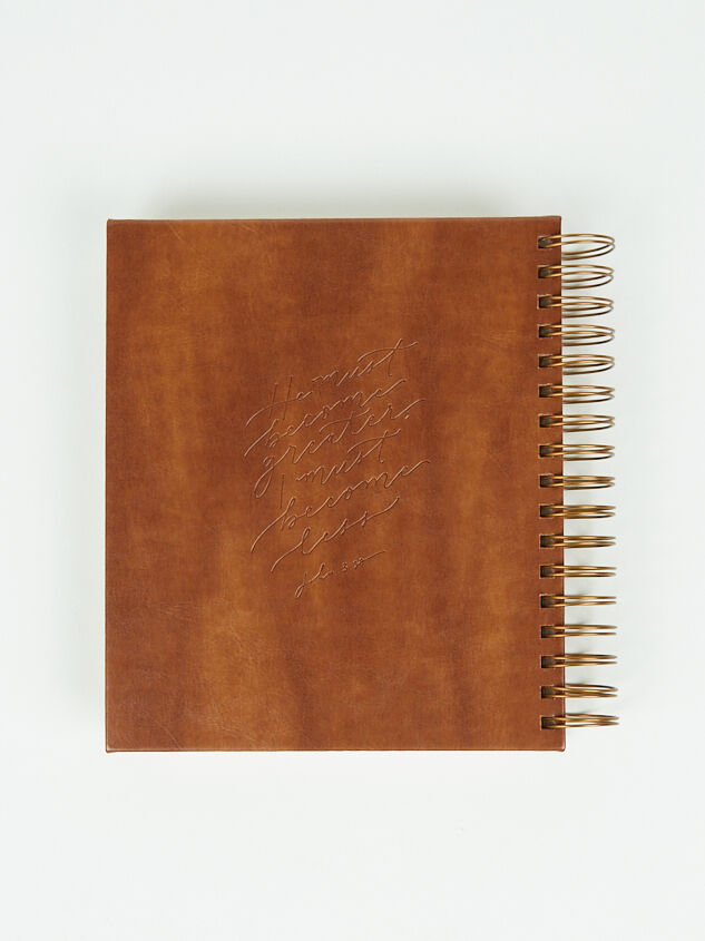 Hosanna Revival Leather 17-Month Planner Detail 2 - Altar'd State