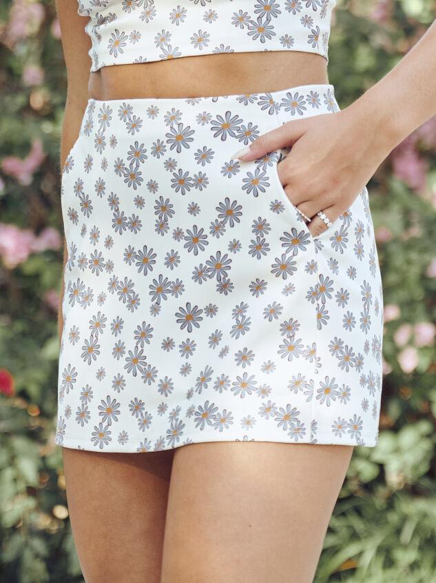 Dilyn Retro Floral Skirt - Altar'd State