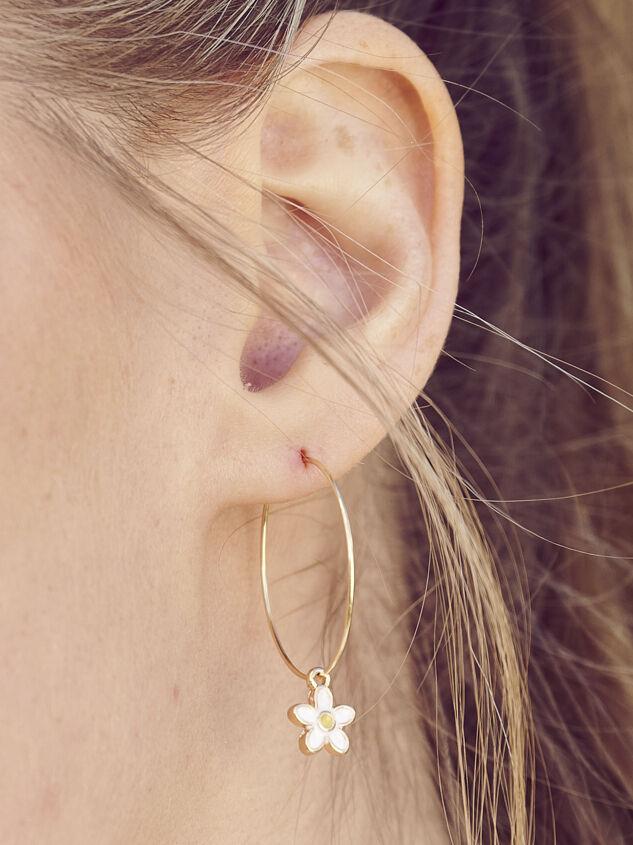 Daisy Mini Hoop Earring Set - Altar'd State