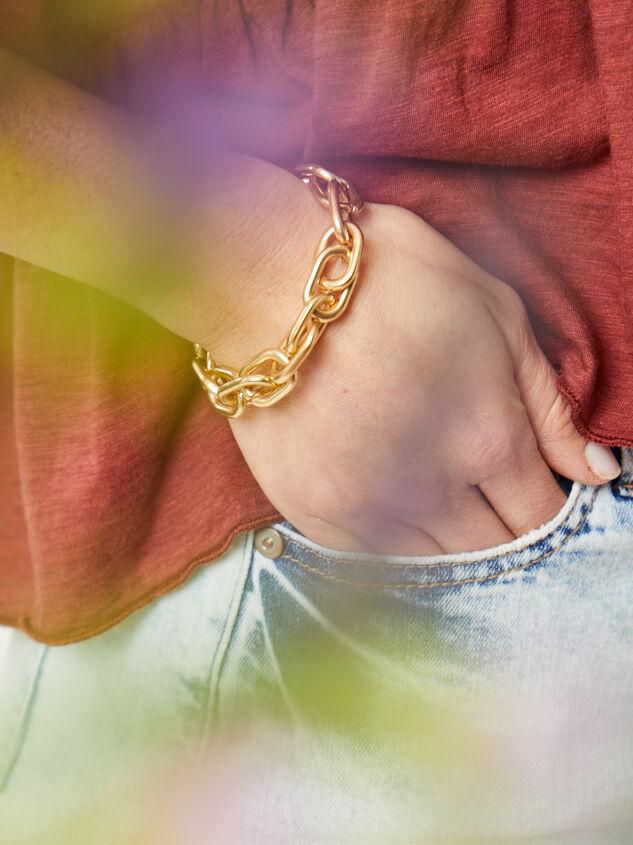 Jada Linked Bracelet Detail 2 - Altar'd State