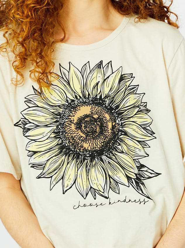 Choose Kindness Sunflower Top Detail 5 - Altar'd State